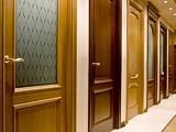 Как выбрать межкомнатную дверь и кому доверить установку